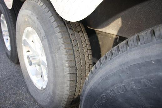 CONTINENTIAL CARGO 48'  TIRES LOW MILAGE